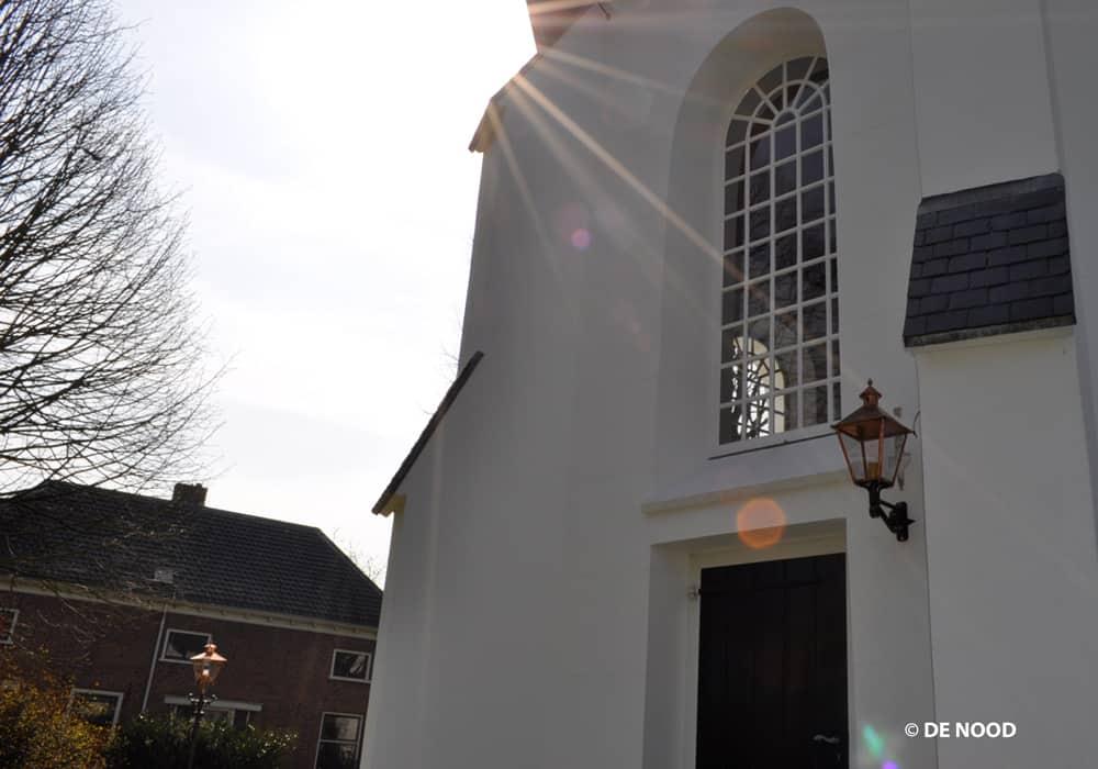 Nieuwe led lantaarns rondom kerk in Bruchem